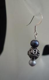 blackwhite pearl earrings