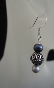 blackwhite pearl earrings