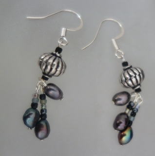 silver black pearl dangle earrings