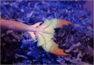 unicorn-cosmetics-bubbles-mermaid-fan-brush-7
