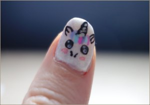 cute-pastel-unicorn-nail-art-4