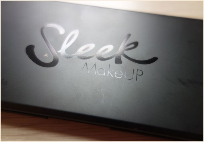 sleek-makeup-gleaming-in-gold-eyeshadow-palette-2