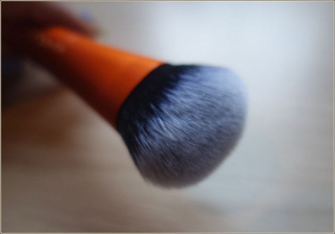 real-techniques-expert-face-brush-2