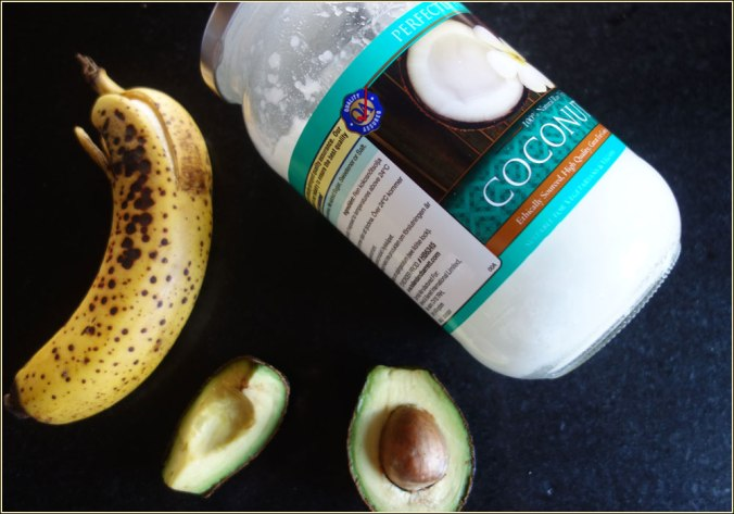 diy-beauty-avocado-banana-coconut-oil-hair-mask-1
