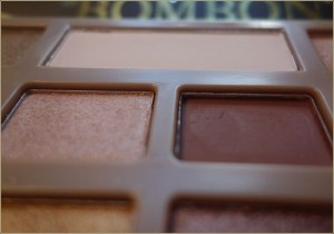 idc-color-chocolate-bar-bombon-eye-eyeshadow-palette-1