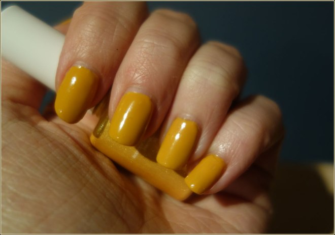 candy-coat-gel-nail-polish-mustard-yellow-460-3
