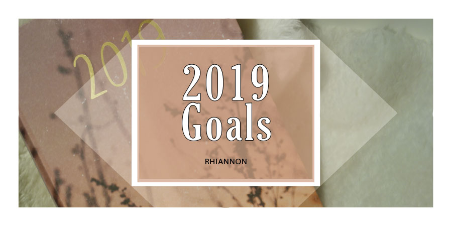 The blog post header with 2019 Goals. Behind it is an image of a diary