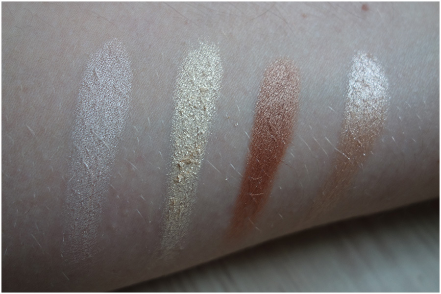 Swatches of the colours without blending. They're very pigmented.